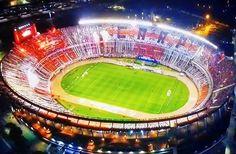 BRUTAL RECIBIMIENTO de la hinchada de River Plate en la Recopa Sudamericana. #ElMonumental #ElFamosoRiverPlate