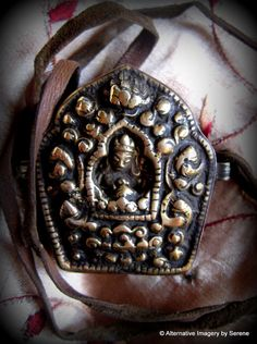 Vintage Green Tara Ghau Box Protective Amuletby TemplesTreasureTrove #Treasured @ https://www.etsy.com/treasury/OTQ5NTU0N3wyNzI1MTUxOTE1/thank-you-treasury-89-2015-team-vintage
