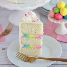 Strawberry Malt Cake - Baking with Blondie Chocolate Raspberry Cake, Raspberry Buttercream, Dark Chocolate Cakes, Chocolate Bark, Whipped Peanut Butter, Individual Cakes, Valentines Day Cakes, White Cake Mixes, Cake Board