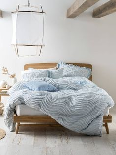 Time to update your quilt cover? Coming in a huge array of colours and styles, you're sure to find the perfect quilt cover set with Linen House. Bedding Sets Online, Luxury Bedding Sets, Master Suite, Pottery Barn, Vintage Bedding Set, Unique Duvet Covers, Bed Linen Australia, Textured Bedding, Bed Linen Design