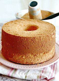 I had lunch with two good friends last week and I remarked that I had to stop baking chiffon cakes. WHY?? They asked. Well, I was worried that my readers may think that chiffon cakes are all I know…