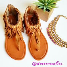WKND SALE  •Host Pick• Fringe Sandals NWOT. Beautiful suede fringe sandals. Zip-back closure. Beaded detailing above fringe. So boho chic! Make this pair a resisdent of your closet! Beautiful necklace from @lovelionessie. I love it! Check out her closet!  -WKND SALE PRICE IS FIRM! Shoes Sandals