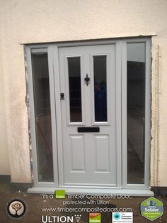 Every Solidor Timber Composite Door comes fitted as standard with Ultion 3 Star Diamond Sold Secure Locks, fully fitted with 12 months Credit Front Door Porch, House Front Door, Front Door Decor, Front Doors, Garage Doors, Home Design Diy, House Design, Sala Vintage, Porch Extension