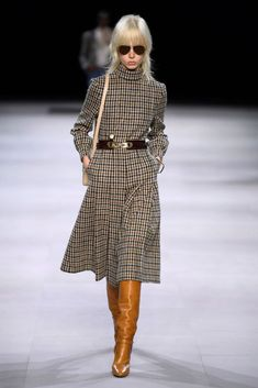 Celine's Fall 2019 Collection at Paris Fashion Week New Fashion, Fashion News, Korean Fashion, Boho Fashion, High Fashion, Winter Fashion, Womens Fashion, Fashion Trends, Paris Fashion