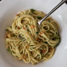 Anchovy pasta with galric breadcrumbs edited