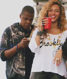 "gah i love them. >> Jay-z & Beyoncé at ""Made In America"" Festival Sept 2012"