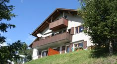 Chesa Prüveda Pontresina Set in Pontresina, this apartment features a balcony. The unit is 19 km from Livigno.  The kitchen has an oven and a toaster, as well as a coffee machine. Towels and bed linen are available at Chesa Prüveda.  St.