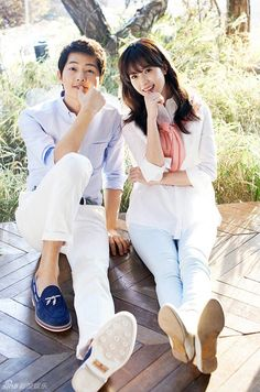 According to contact lenses brand Acuvue, Song Joong Ki and Han Hyo Joo are a perfect couple, if their compatibility is based on the shape of their eyes an Korean Actresses, Korean Actors, Actors & Actresses, Han Hyo Joo, Song Hye Kyo, Song Joong Ki Photoshoot, Korean Celebrities, Celebs, W Kdrama