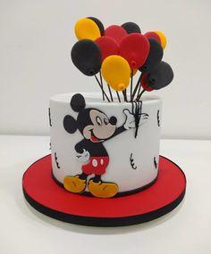 Gateau Theme Mickey, Baby Boy Birthday Cake, Mickey 1st Birthdays, Mickey Mouse Cupcakes, Mickey Mouse 1st Birthday, Mickey Mouse Clubhouse Birthday, First Birthday Cakes, Bolo Mickey Baby, Bolo Do Mickey Mouse