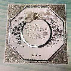 Dies by Chloe - Small Snowflake Corner - - Chloes Creative Cards Pinterest Christmas Cards, Die Cut Christmas Cards, Pinterest Cards, Creative Christmas Cards, Christmas Card Crafts, Homemade Christmas Cards, Holiday Cards, Crafters Companion Christmas Cards, Chloes Creative Cards