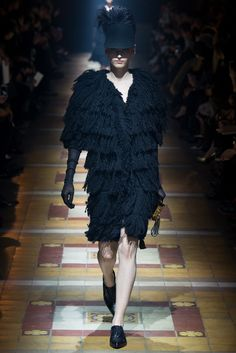 Lanvin Fall 2014 Ready-to-Wear Fashion Show - Katlin Aas (IMG)