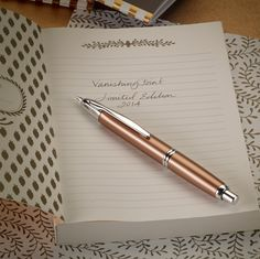 With only 2014 of the '2014 Limited Edition Copper Vanishing Point' available worldwide, pen aficionados will need to act quickly! Featuring a burnished copper barrel, rhodium accents and a retractable 18kt gold nib, this fountain pen is truly one of a kind!