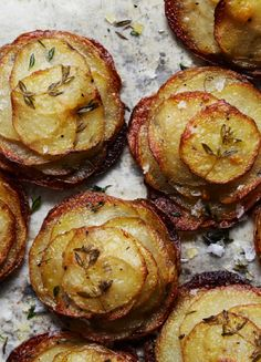 Mini Herbed Pommes Anna 48 Potato Recipes from Bon Appetit Potato Dishes, Potato Recipes, Vegetable Recipes, Veggie Food, Chicken Recipes, Think Food, Love Food, Pommes Anna Recipe, Bon Appetit