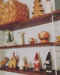 白樺のカゴや木のライオン、クリスマスにぴったりの北欧アイテムを飾って気分を盛り上げてみるのも素敵な楽しみ方☆