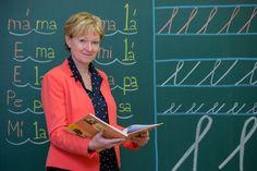prvnitrida.cz | První třída Mamma Mia, Primary Teaching, Language, Activities, Writing, School, Montessori, Languages, Being A Writer