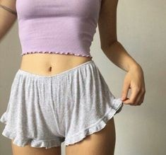Lässiger und cooler Sommerlook You can collect images you discovered organize them, add your own ideas to your collections and share with other people. Lingerie Xxl, Jolie Lingerie, Casual Outfits, Summer Outfits, Cute Outfits, Look Fashion, Womens Fashion, 90s Fashion, Mode Inspiration