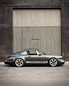 Porsche 911 – Best Luxury Cars Source by parrudoricardo Porsche Classic, Classic Cars, Porche 911, Porsche 911 964, Porsche Cars, Porsche Garage, Custom Porsche, Vintage Porsche, Vintage Cars