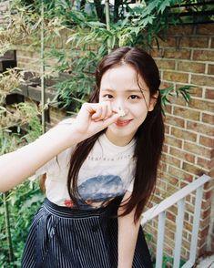 Blackpink Jisoo, Kim Jennie, Yg Entertainment, K Pop, South Korean Girls, Korean Girl Groups, Blackpink Icons, Rapper, Blackpink Members