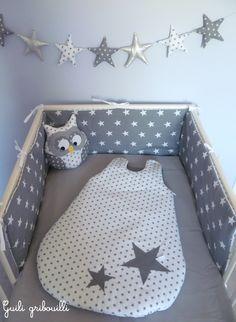 tour de lit et gigoteuse étoile Guili gribouilli blanc/gris