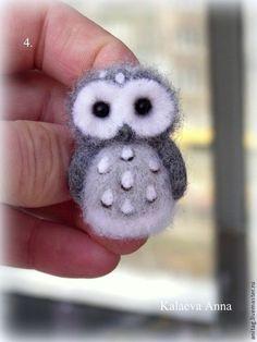 Needle Felted Ornaments, Needle Felted Owl, Felt Ornaments, Felt Crafts Diy, Sock Crafts, Felt Owls, Felt Birds, Hedgehog Craft, Fiber Art Quilts