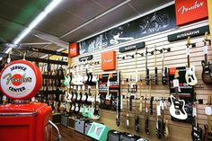 www.azemamusique.fr #guitar #guitars #guitare #fender #fenderstrat #fendertele #stratocaster #telecaster