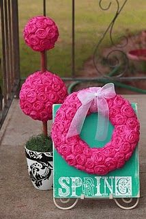 Spring wreath & topiary