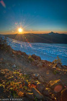 Mount Bailey sunrise, Oregon, USA
