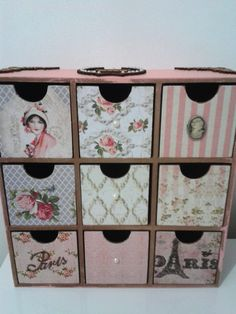 Gaveteiro com nove gavetas, lindamente decorado com papel scrapbooking, apliques… Decoupage Vintage, Decoupage Box, Decoupage Furniture, Cardboard Furniture, Diy Cardboard, Handmade Crafts, Diy And Crafts, Old Wallpaper, Sewing Room Organization