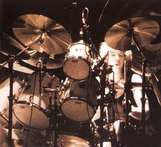 Clive Burr, Drummers, Iron Maiden