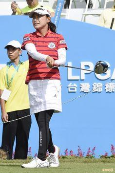 富邦LPGA橫峰櫻暫居領先蔡佩穎張雅淳並列14台將最佳 - 自由時報電子報