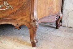 eladó rokokó antik bútor Outdoor Furniture, Decor, Side Table, Wood, Table, Outdoor Decor, Furniture, Wood Carving, Rococo