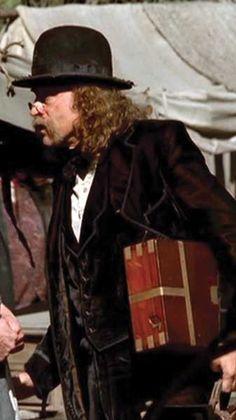 Doc Cochran's (Brad Dourif) Deadwood Outfit : velvet suit