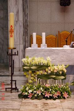 Image result for 플라워경진대회 Alter Flowers, Church Flowers, White Flowers, Flowers Garden, Small Flowers, Contemporary Flower Arrangements, White Flower Arrangements, Church Wedding Decorations, Altar Decorations
