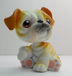 Littlest Pet Shop English Bulldog #46 tan white w/ brown eyes loose