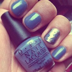 OPI Even Royals Get The Blues (beautiful greyed out sky blue) Perfect winter shade. Accent: OPI Fits Me To A Royal-T (dark silver foil). Both from the OPI Gone Noble boxset #wintermani #opi #npa #nailpolish #nailart #stamping