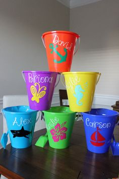 Personalized Sand Pail - Beach pail, vinyl, kids, toys, gifts on Etsy, $10.00