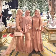 Image may contain: 3 people, people standing Hijab Dress Party, Hijab Style Dress, Dress Outfits, Kebaya Hijab, Kebaya Dress, Sharara Designs, Kurta Designs Women, Muslim Fashion, Hijab Fashion