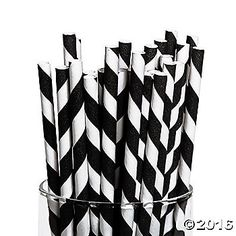 Choose these striped paper straws for a fun way to make your drinks match your party colors. Fun for a black and white wedding theme, these straws will be a ...