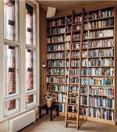 How amazing is this library - wall of books? I would love to have something similar in my living room or study. Home Design, Home Library Design, Library Wall, Dream Library, Bookshelves, Bookcase, Home Libraries, Up House, Deco Design