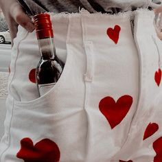 """""""drinking is the only way I can handle these idiots all night - Áquila suddenly understood why her father always had a bottle of whiskey at his disposal"""" Red Aesthetic, Aesthetic Photo, Aesthetic Pictures, Love Sick, Cheryl Blossom, Just Girl Things, Queen Of Hearts, Cupid, Aphrodite"""