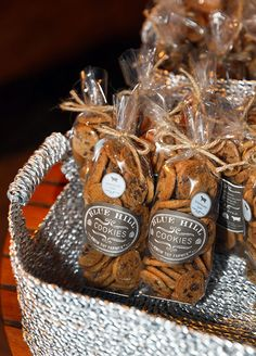 Guests received personalized cookies as the wedding favor.