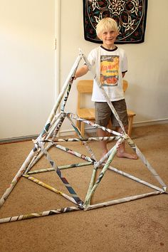 As soon as I saw this article about newspaper forts at Modern Parents Messy Kids, I knew that Wyatt would love to make one. I'll let you visit the original post for full instructions, but the idea for this activity is pretty simple in a brilliant. Recycled Art Projects, Stem Projects, Primary Science, Stem Science, Stem Activities, Summer Activities, Indoor Activities, Diy Crafts For Kids, Art For Kids