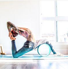 The 4 paths of Yoga are Jnana Yoga, Bhakti Yoga, Karma Yoga, and Raja Yoga. These 4 paths of Yoga are defined as a whole. The four courses of Yoga work hand in hand. Yoga Rad, Yoga Positionen, Yoga Meditation, Yin Yoga, Vinyasa Yoga, Yoga Wheel, Yoga Iyengar, Yoga Kundalini, Dharma Yoga
