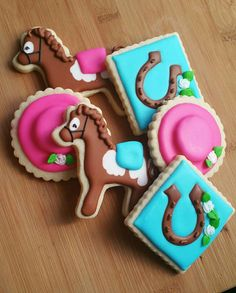 Decorated Iced Sugar Cookies Kentucky Derby Horse Fancy Hat Horseshoe by JKcookieCreations on Etsy https://www.etsy.com/transaction/1134233679