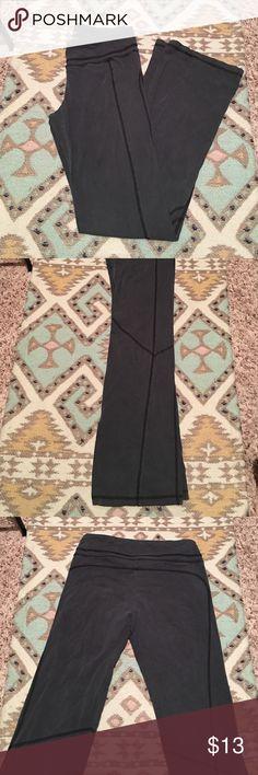 Gray yoga pants Perfect pant for yoga. 93% cotton, 7% spandex. Old Navy Pants Track Pants & Joggers