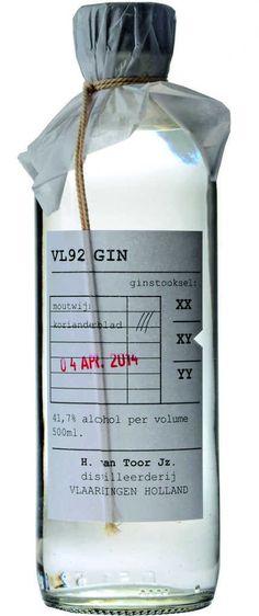 Gin von VL92 in der 0,5l Flasche mit 41,7% Vol. Alc.