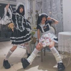 Maid Outfit, Maid Dress, Lolita Goth, Indie, Maid Cosplay, Cute Lesbian Couples, Couple Aesthetic, Emo Outfits, Poses