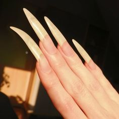 Long Natural Nails, Long Nails, Instagram Nails, Claws, Beauty, Fashion, I Like You, Buttons, Moda