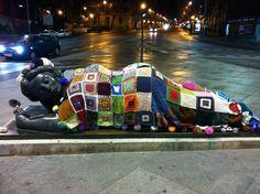 """foto del web: """"donna allo specchio"""" di Plaza de Colón - Madrid -"""