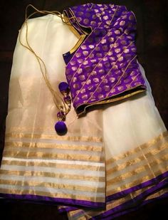 Pretty white and gold saree teamed with a statement purple blouse. Kerala Saree, Ethnic Sarees, Indian Sarees, Beautiful Blouses, Beautiful Saree, Saree Blouse Designs, Blouse Patterns, Set Saree, Simple Sarees
